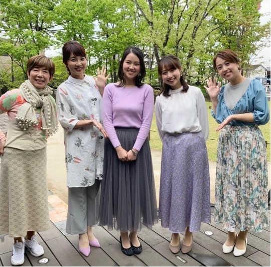 佐藤伊音アナ、平井侑貴アナと「5スタ」メンバーの身長比較