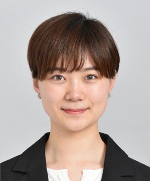 髪型がショートカットの小髙茉緒アナ