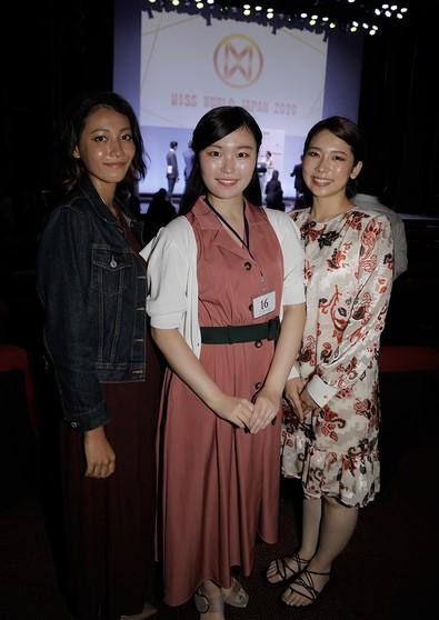佐々木夢夏アナと藤井慎子アナとの身長比較