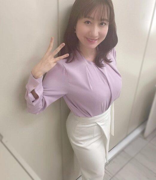 吉井明子さんの巨乳が凄い