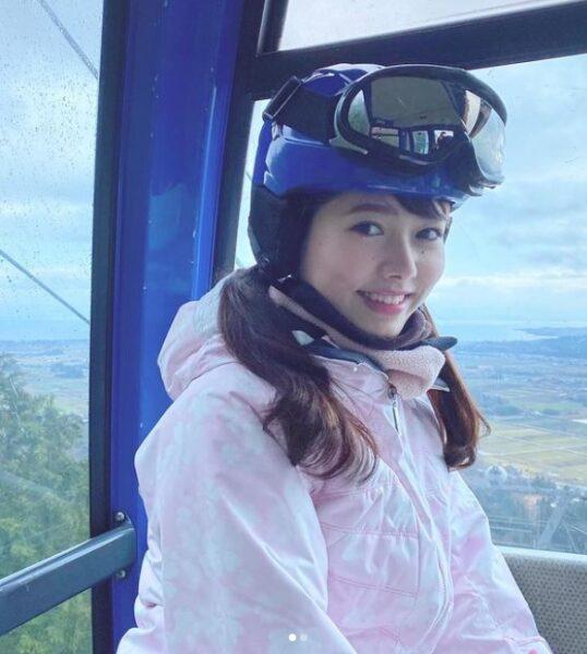 インスタに投稿された谷尻萌アナの彼女距離の写真