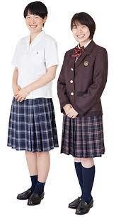 田原萌々アナの出身高校、聖ドミニコ学園の制服